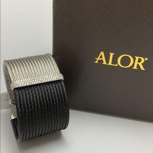 Alor bracelet